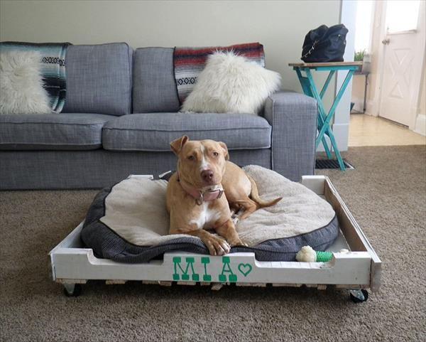 Camas para perros recicladas por ti - Casas para perros con palets ...